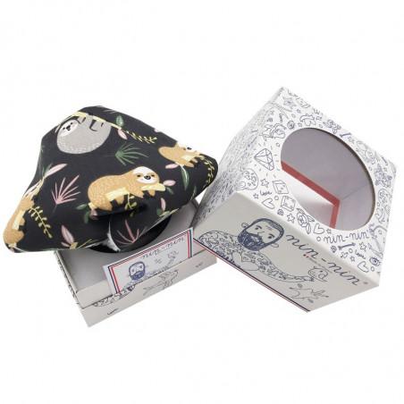 Cube doudou Le Paresseux. Cadeau de naissance original et made in France