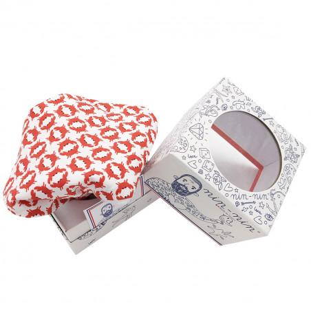 Cube doudou Le Crabe. Cadeau de naissance original et made in France