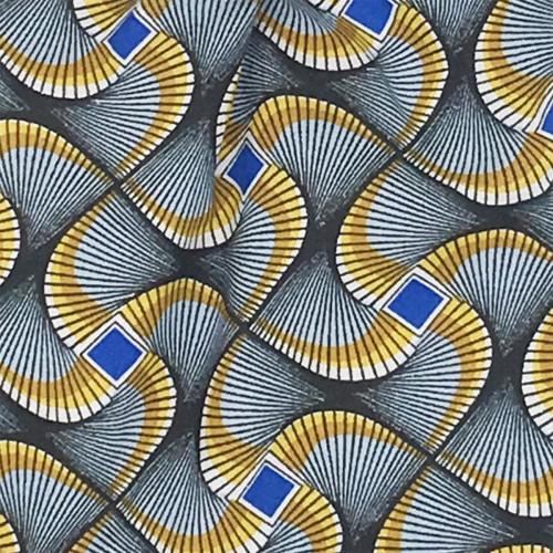 Tissu doudou Wax personnalisable. Cadeau de naissance original et made in France