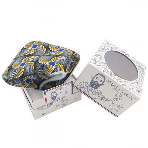 Cube doudou Wax personnalisable. Cadeau de naissance original et made in France