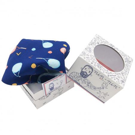 Cube doudou personnalisable Le Tennisman. Cadeau de naissance original et made in France