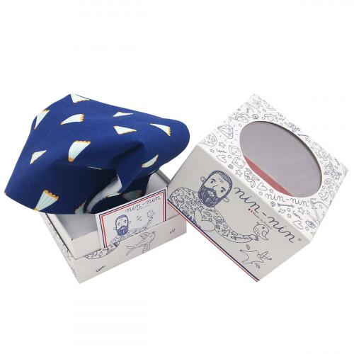 Cube doudou personnalisable Le Badminton. Cadeau de naissance original et made in France