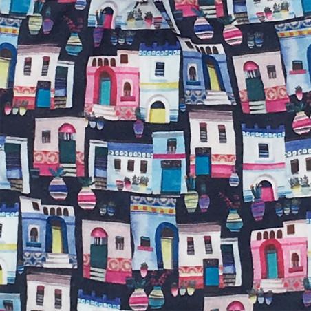Tissu doudou Santorin représentant des petites maisons colorées. Cadeau personnalisable et made in France. Nin-Nin