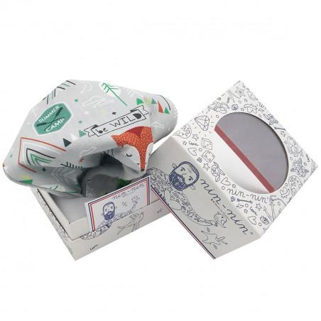 Cube doudou Le Fox représentant des renards. Cadeau de naissance personnalisable et made in France. Marque Nin-Nin