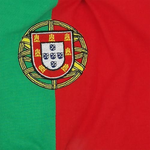 Broderie doudou Le portugais. Cadeau de naissance original personnalisable et made in France. Nin-Nin