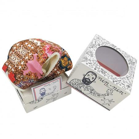 Boite cadeau doudou Le Rococo. Cadeau de naissance personnalisé et made in France. Doudou Nin-Nin